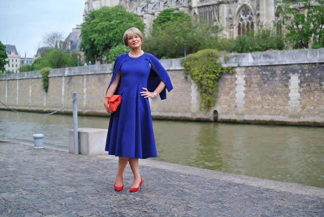 Nikki from Midlife Chic wears Winser London