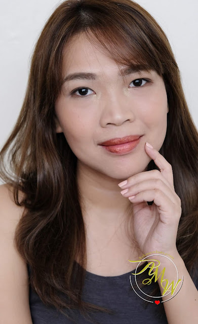 a photo of Nikki Tiu wearing Sleek MakeUP Metallic Matte Lip Cream in Copperplate Review