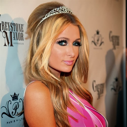 Paris Hilton Adora el Champán