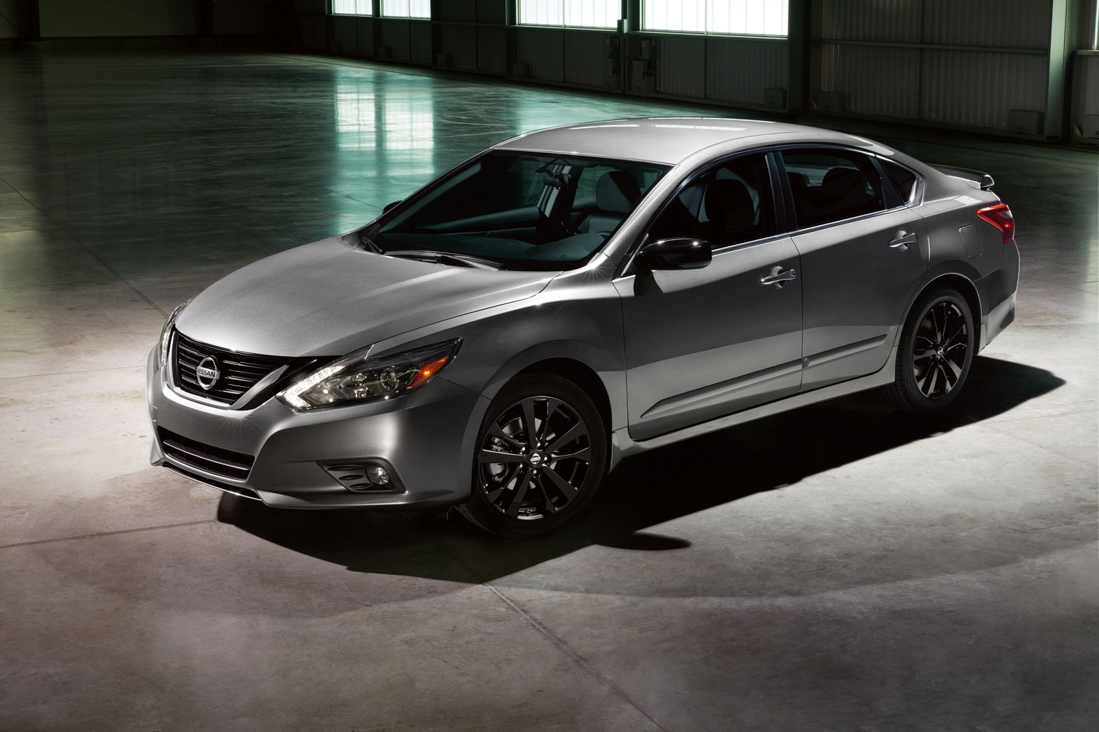 Nissan Debuts Midnight Editions Of Maxima, Sentra, Altima ...