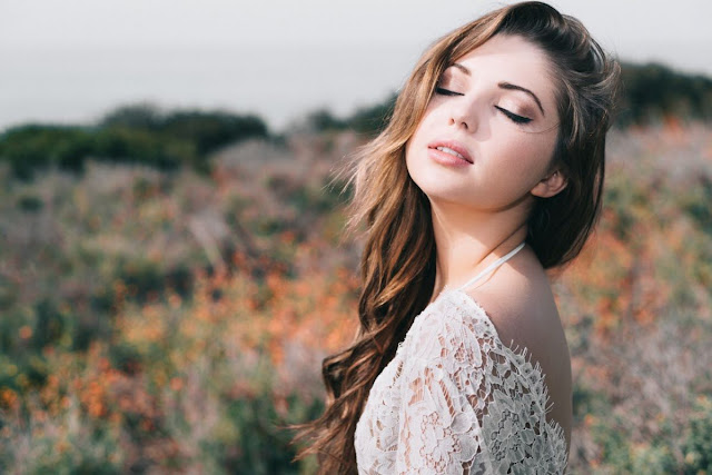 Sammi Hanratty Photoshoot by Shant Rising