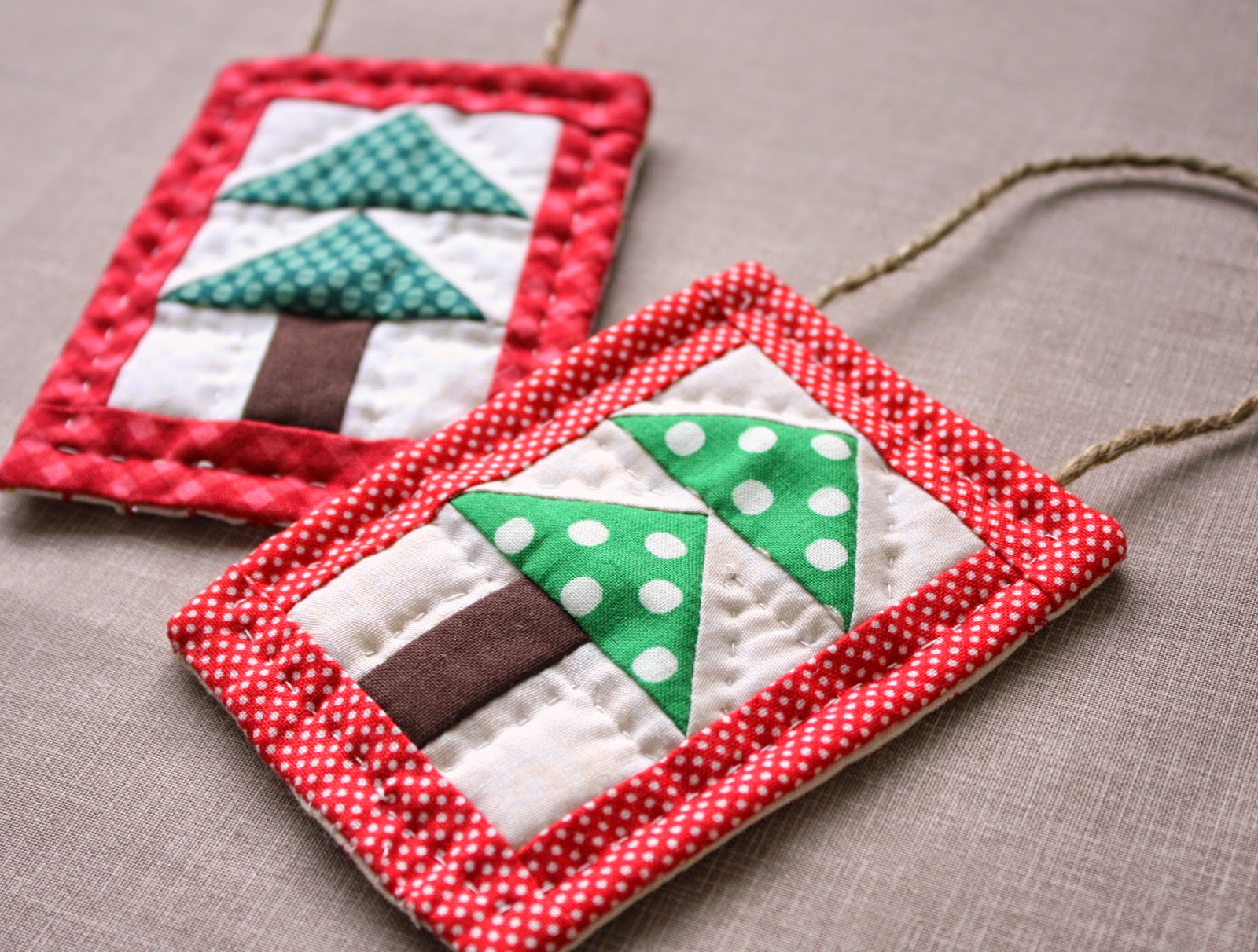 Folded fabric christmas tree - Mini Christmas Tree Quilt Ornament Tutoial Diary Of A Quilter A Quilt Blog