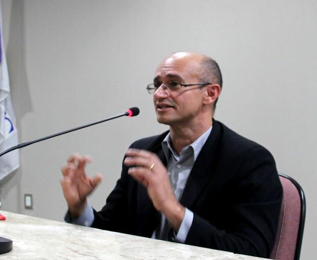 Juiz Flávio Morais e mais sete Magistrados são agraciados com Medalha do Mérito