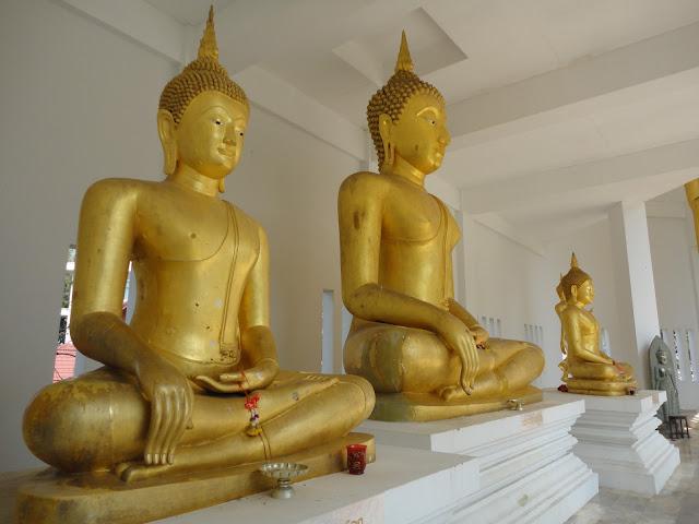 Thaïlande, phitchanulok, sukothaï, 4t guesthouse, taxi, bus, gare, piscine, temple, wat