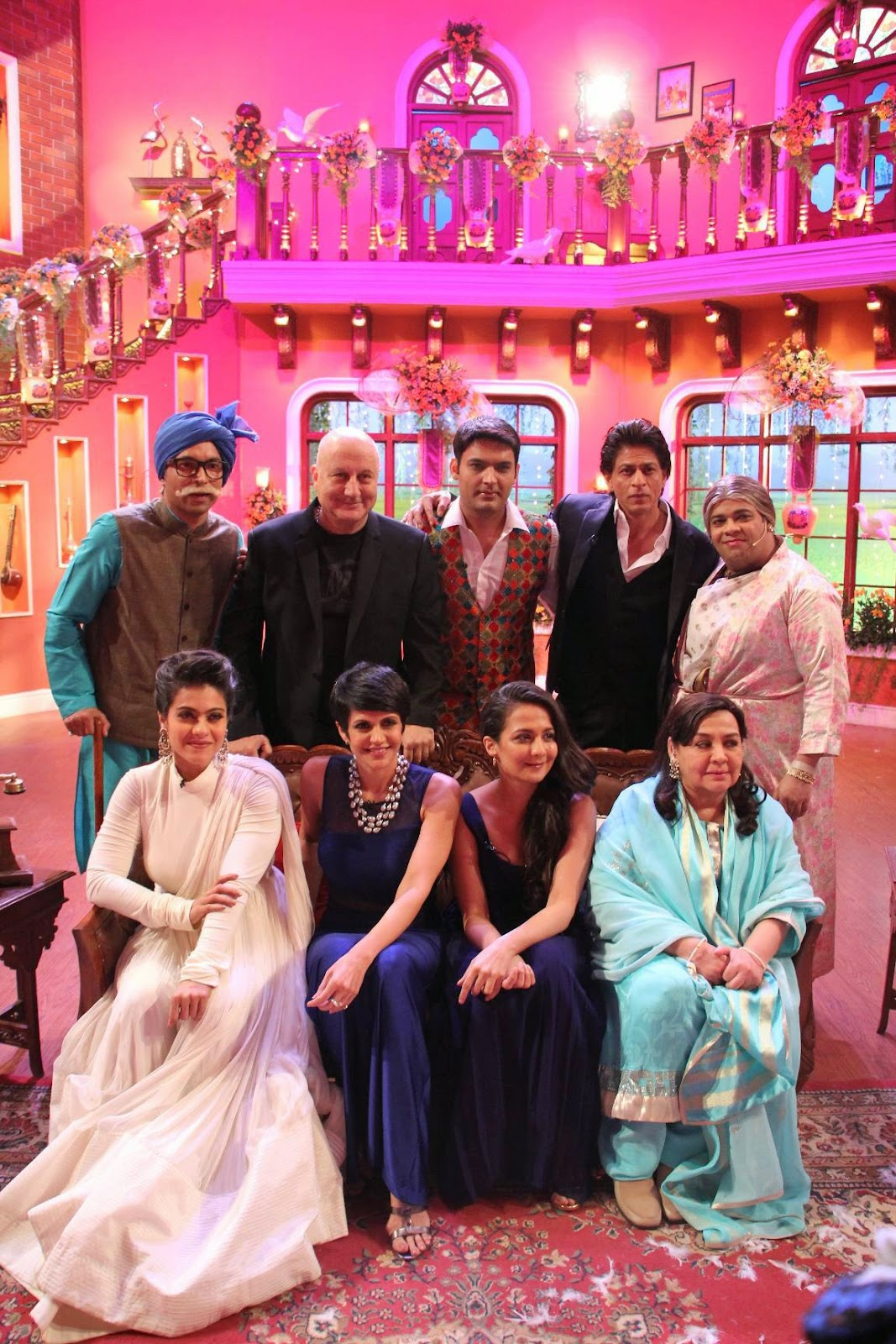 Dilwale Dulhania Le Jayenge Movie 1000 Weeks Celebrations On Comedy Nights With Kapil Sets, Shah Rukh Khan-Kajol DDLJ Team on CNWK
