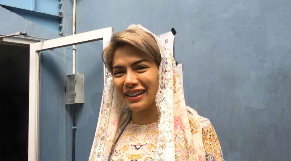 Nikita Mirzani tobat memakai Hijab dan lebih sopan