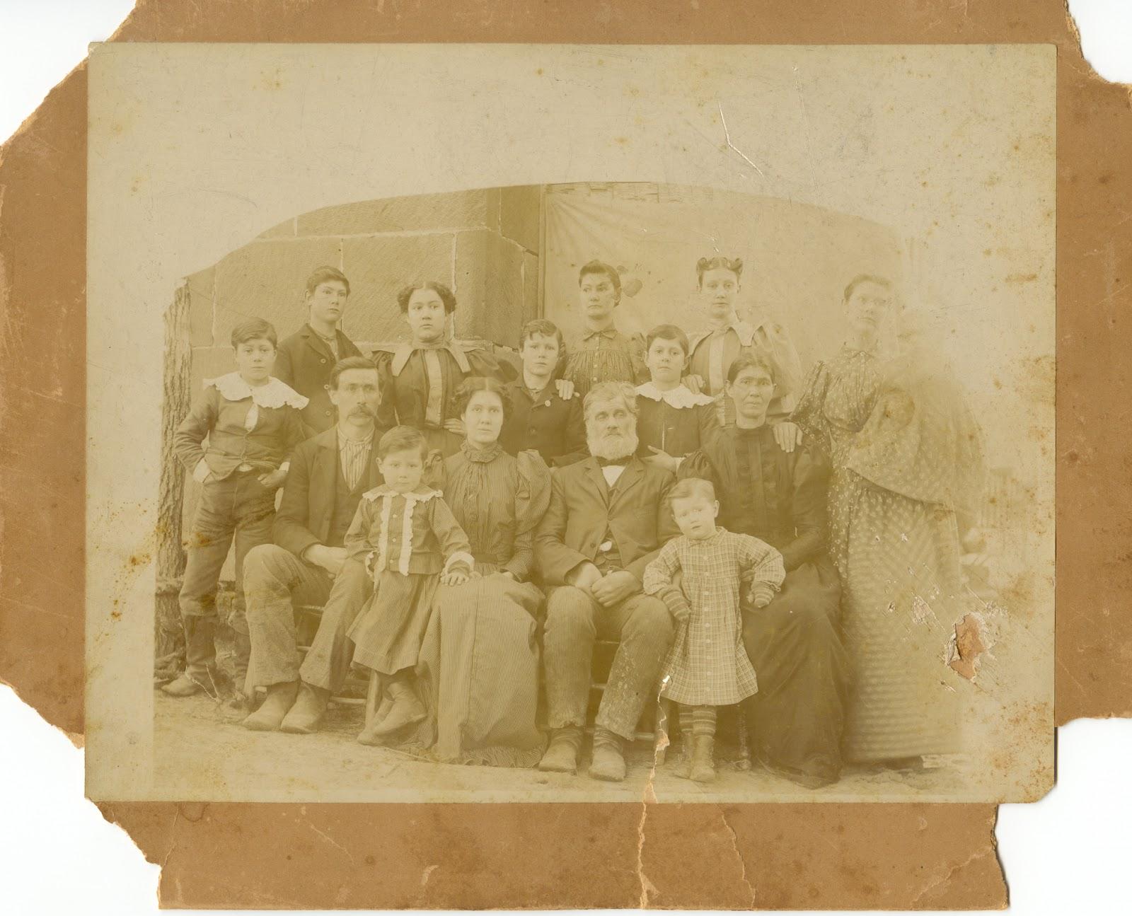 Genealogess Logsdon