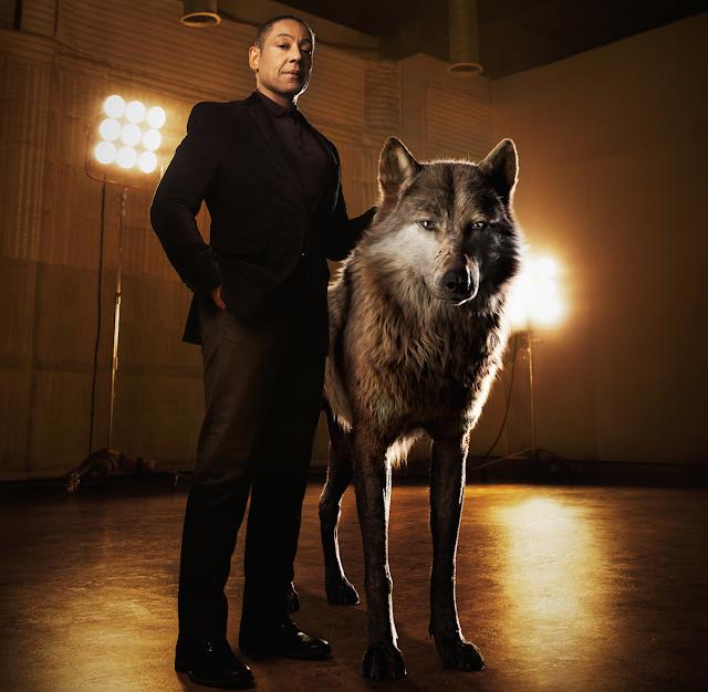 Giancarlo Esposito în rolul lupului Akela