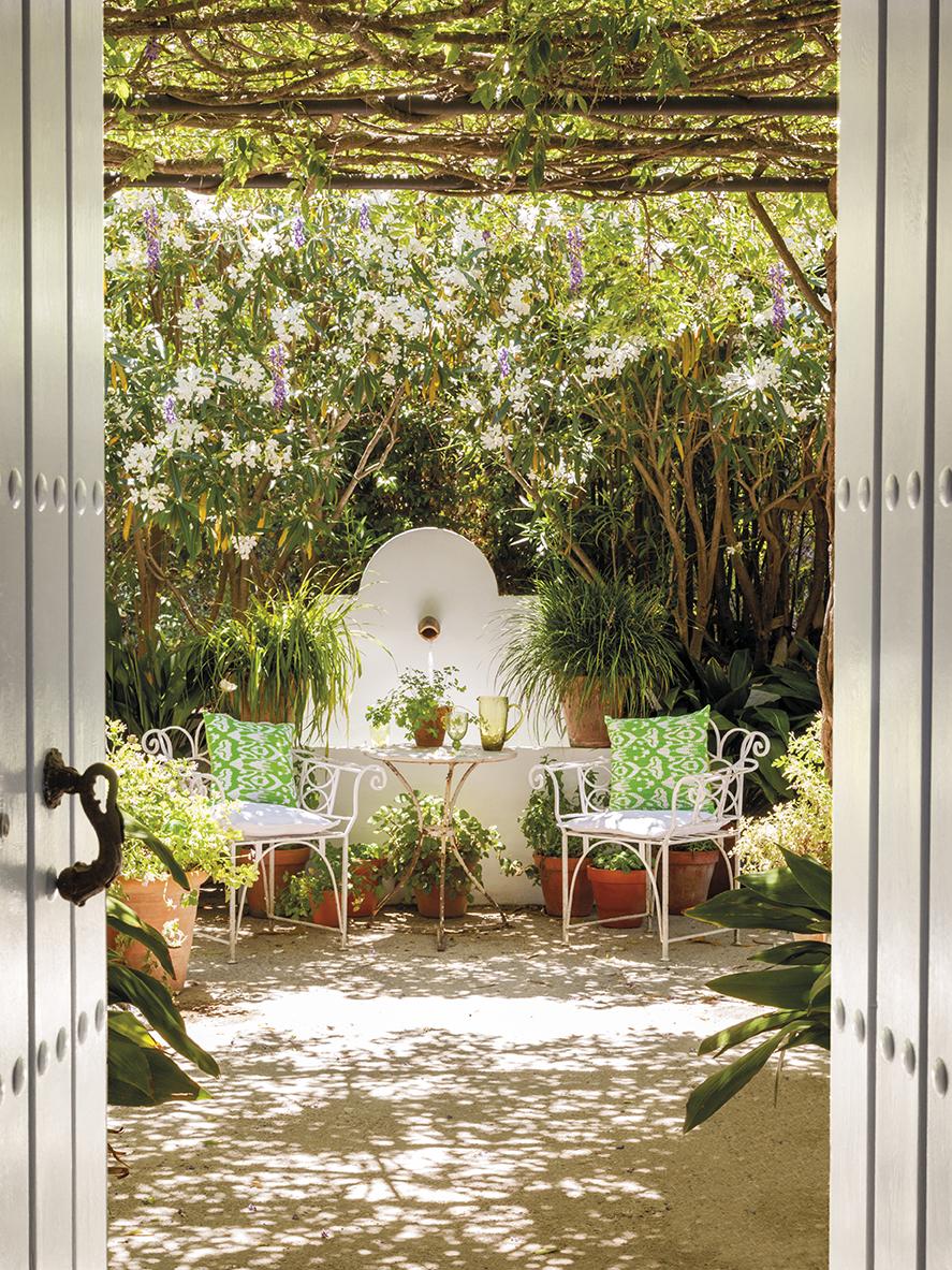 Dep sito santa mariah casa com p tio na espanha - Fuentes de patio ...