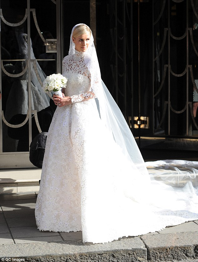 The Oak Oh Em Gee Nicky Hilton S Wedding Dress