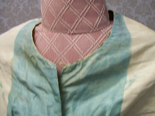 Neck edge, chine basque, K. Krewer collection