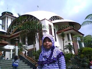 Wisata Religi Di Masjid Atta'awun Puncak Bogor