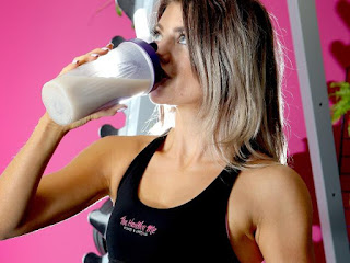 http://www.perthnow.com.au/news/western-australia/mandurah-mums-use-of-protein-shakes-being-blamed-for-contributing-to-her-death/news-story/d69200e36f40c2167d1fe555ac521c11