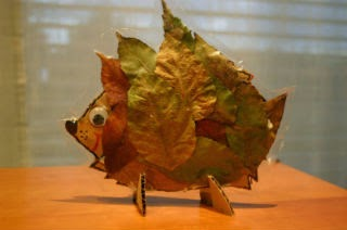 Manualidad infantil erizo hecho con hojas