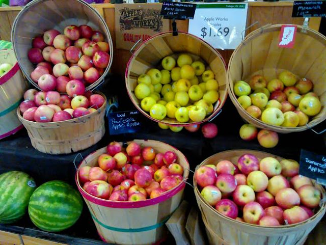 Apples at Bloomingfoods Fall 18 by Patricia C. Coleman