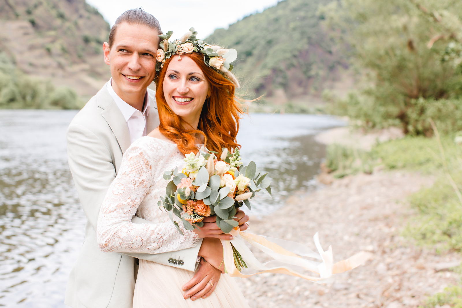 images by Liebe im Licht Hochzeitsfotografie german weddings styling colour theme terracotta country style
