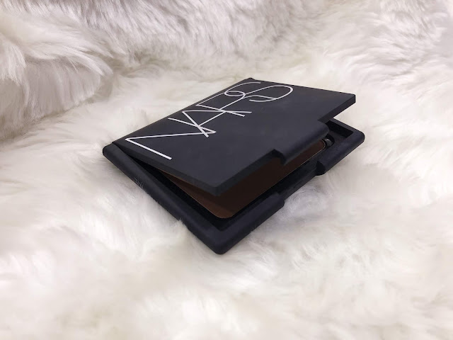 NARS pressed powder Valley