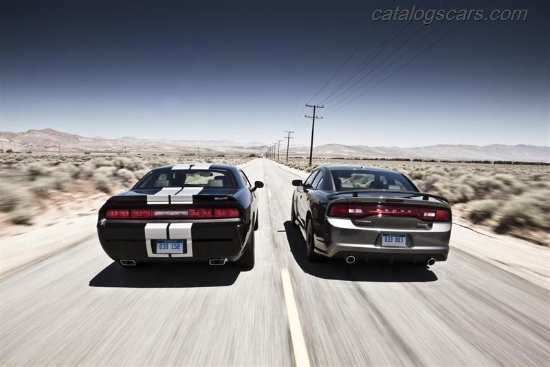 صور سيارة دودج تشالنجر SRT8 392 2014 - اجمل خلفيات صور عربية دودج تشالنجر SRT8 392 2014 - Dodge Challenger SRT8 392 Photos Dodge-Challenger-SRT8-392-2012-15.jpg