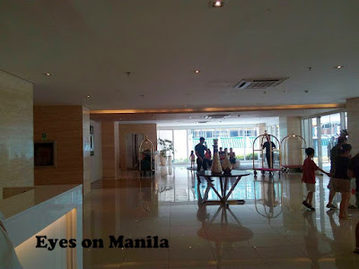 Hotel 101 Manila Lobby