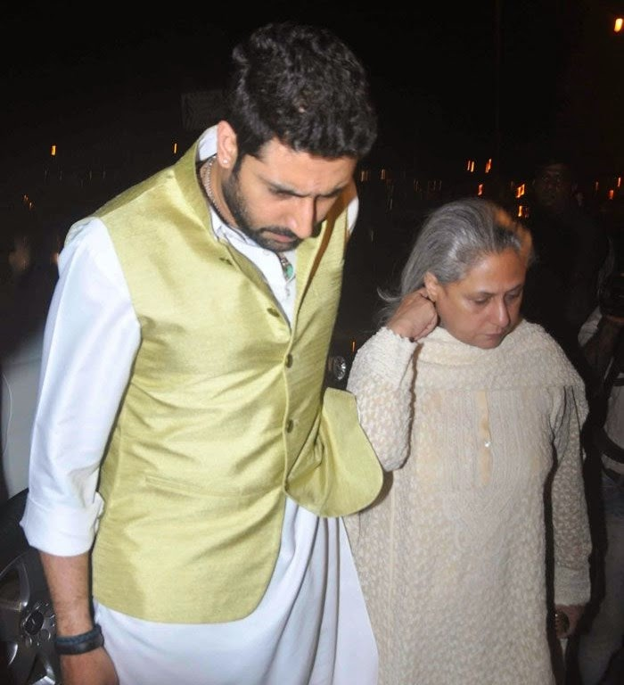Abhishek Bachchan, Jaya Bachchan, Pics from Condolence Meeting of Late Filmmaker Ravi Chopra