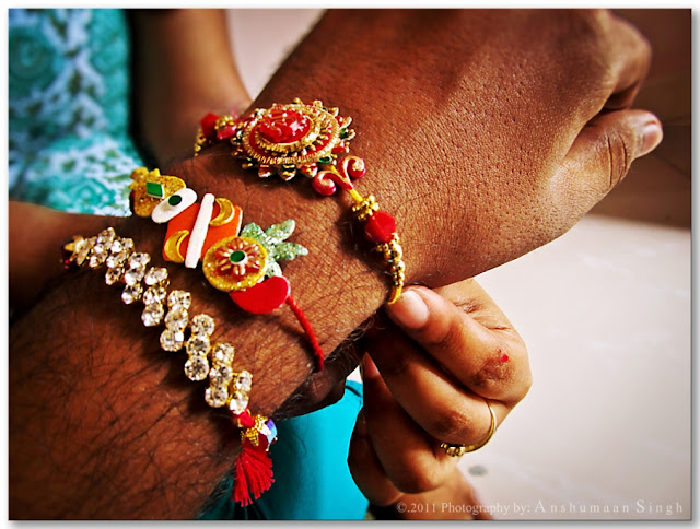 There are more than a thousand photos, including the Rakshabandhan greetings in this app's gallery. There are also many messages and greeting in it. The use of this app can also be used by the use of the image of the user wallpaper. The specialty of this app is that the user can find the new Raksha Bandhan GIF, Raksha Bandhan Photography image. You can also change your favorite GIF photo of your choice when using this app does not require the internet. But you can share a message or a GIF picture with an email or social network with your friends family and loved ones etc.