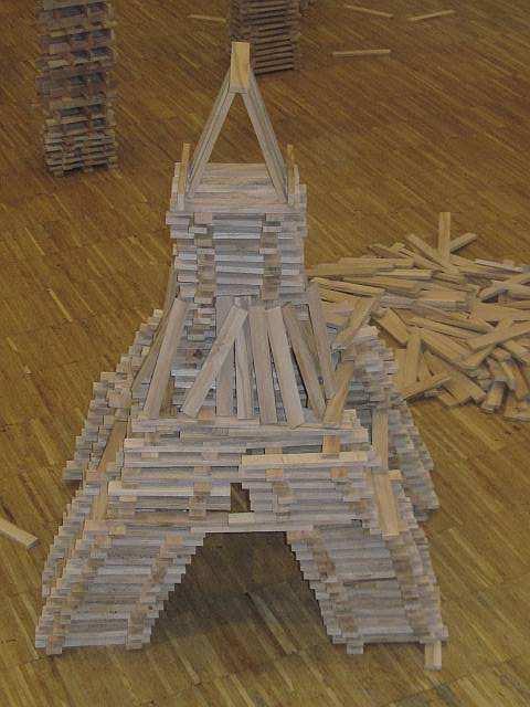 dino 39 s magische welt bauen und konstruieren ber hmte bauwerke der eiffelturm. Black Bedroom Furniture Sets. Home Design Ideas