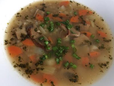 Zupa z kaszy z grzybami