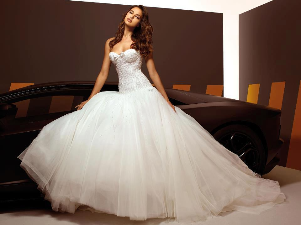 OK Wedding Gallery: Super Car and Pretty Wedding Dresses