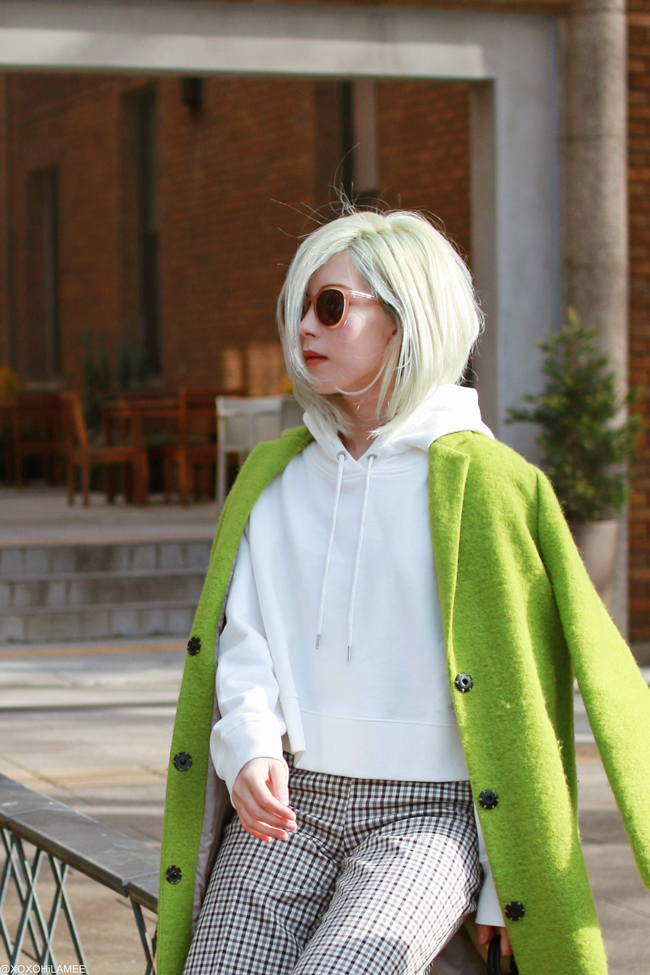 Japanese Fashion Blogger,MizuhoK,20190224OOTD, TOPSHOP= right green coat, Twinset= gun club check pants, Jeanasis = white Hoodie, ZARA= sneakers, LOUIS VUITTON= mini backpack, zeroUV=sunglasses