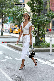 Frida-Aasen-On-her-way-to-the-fittings-for-the-Victoria-_012+%7E+SexyCelebs.in+Exclusive.jpg