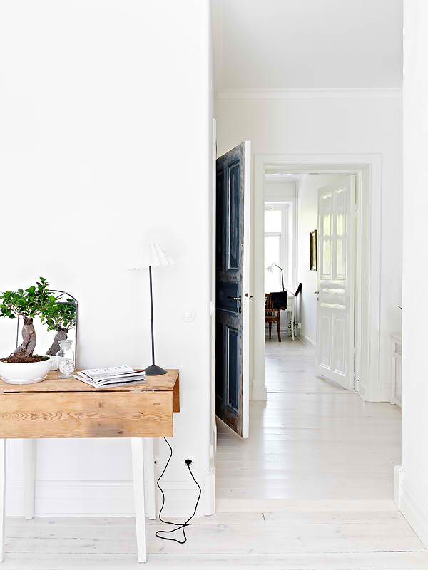 23 Simple And Beautiful Apartment Decorating Ideas: Beautiful Sweden Apartment Built In The Early 1900′s