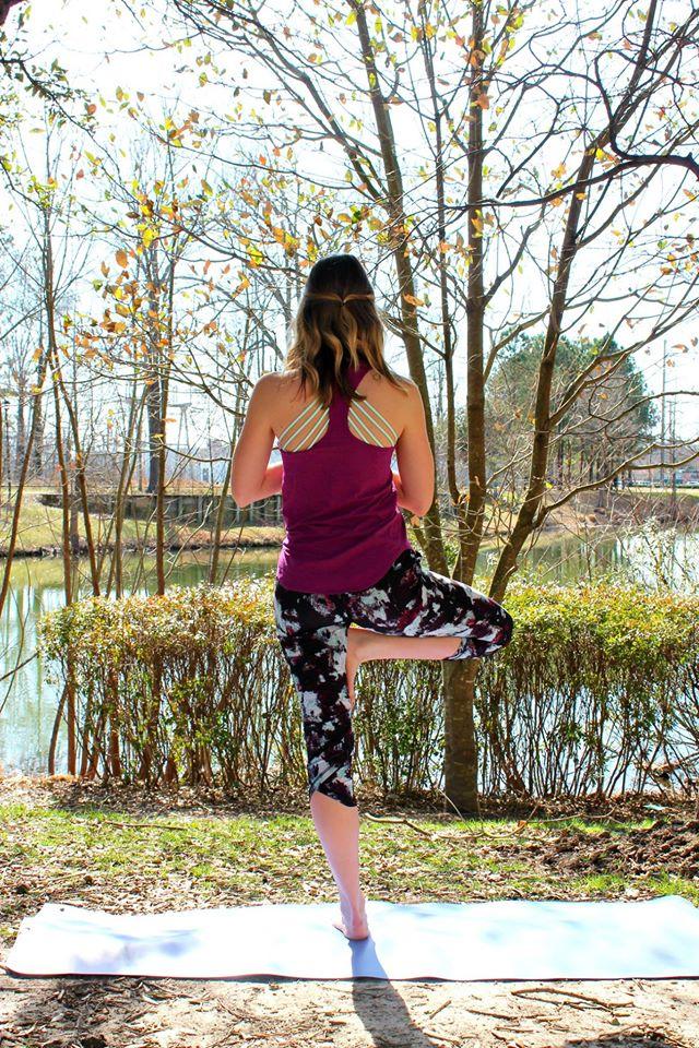 lululemon yogi-racerback-tranquil-crop
