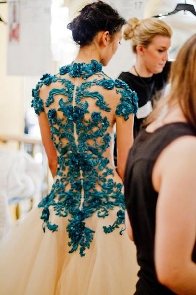Vestido novia espalda azul transparente bodas