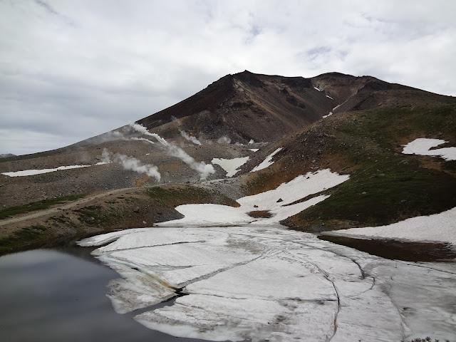 Lagos en el monte Asahidake en Hokkaido