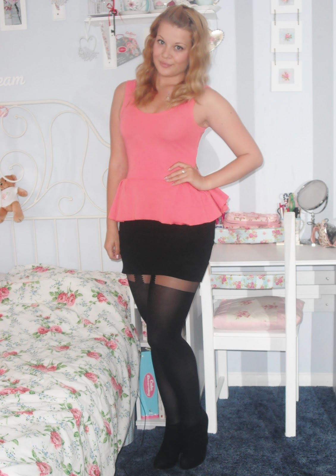 Can you wear bodycon dress with leggings