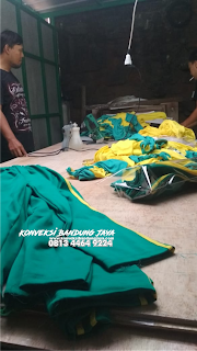 Konveksi Bandung Jaya proses finishing baju