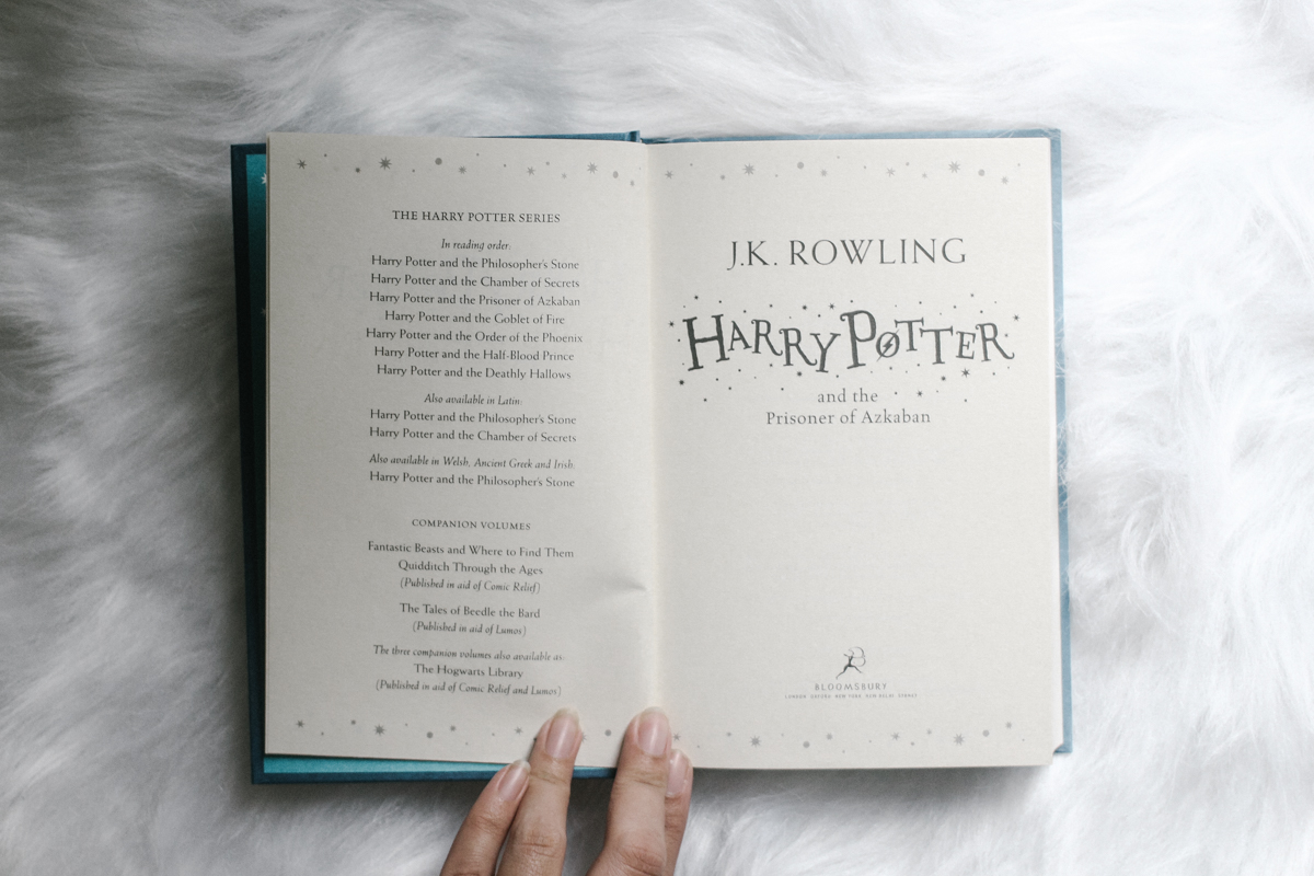 book haul: darkside books & harry potter / coffee & flowers blog