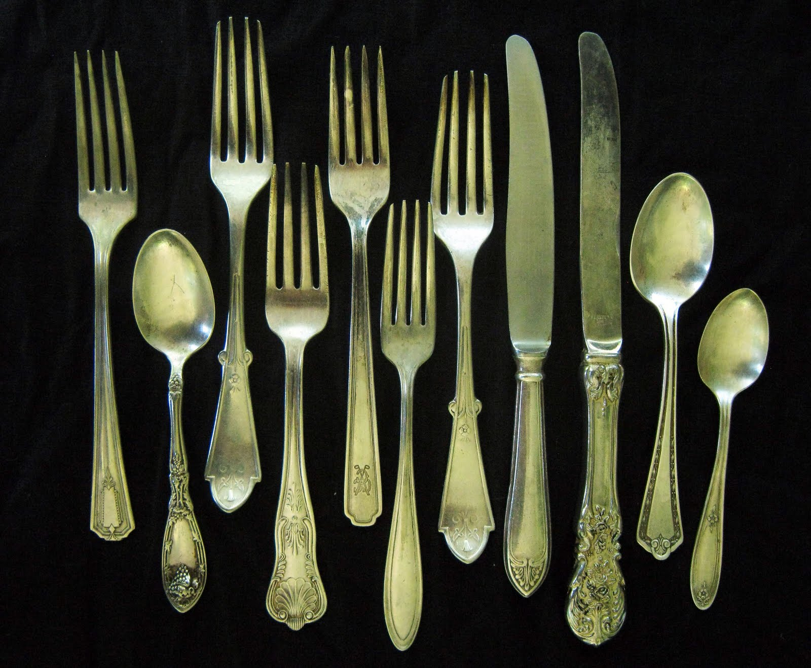 Sorta Fabulous Set The Tone With Vintage Flatware On The