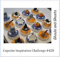http://cupcakeinspirations.blogspot.ca/2017/10/cic428-kitty-bee-designs.html