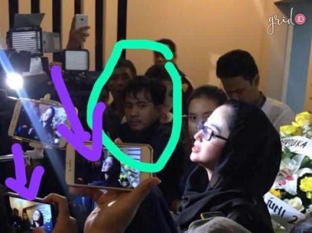 Heboh Penampakan Foto Wajah Jupe Saat Wawancara Dewi Perssik, Asli Bikin Merinding!