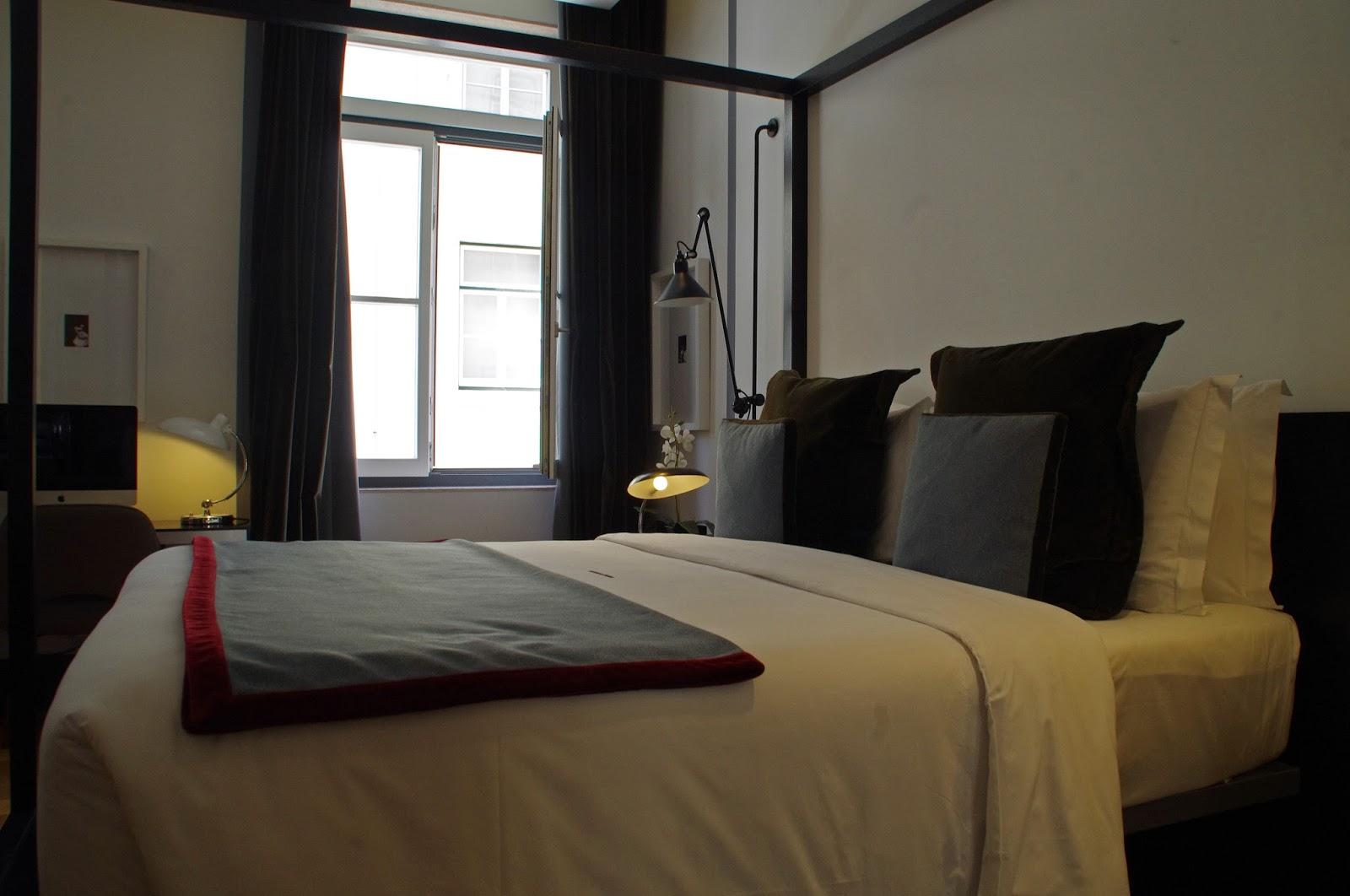 Brown's Central Hotel Lisbon Room Bed