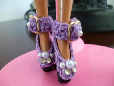Crochê Para Barbie Sapatinhos de crochê para Barbie Por Pecunia MillioM