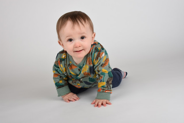 baby boy crawling - just add ginger blog
