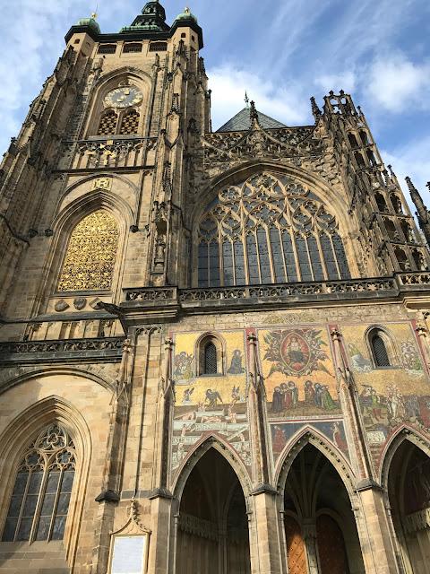 cathédrale Saint-Guy côté Porte d'or Prague