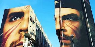 Ο Τσε Γκεβάρα σε ένα εντυπωσιακό γκράφιτι στη Νάπολη