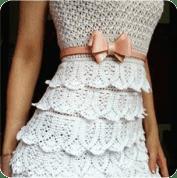 Vestido blanco de capas a Ganchillo