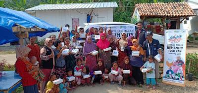 Penyintas Tsunami Selat Sunda Nikmati Hidangan Humanity Food Van