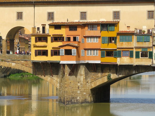 Detail of the Ponte Vecchio seen from Lungarno degli Archibusieri, Florence