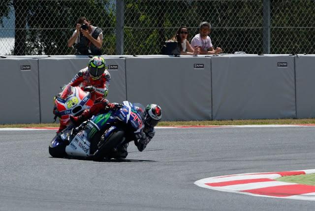 Pihak MotoGP, Angkat Bicara terkait Insiden Lorenzo-Iannone