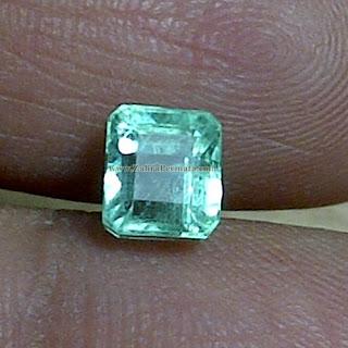Batu Permata Emerald Zamrud Colombia - ZP 880